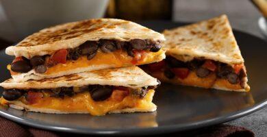 Quesadillas frijoles queso